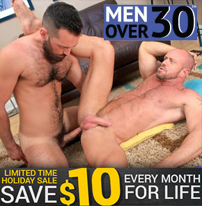 $10 off at MenOver30
